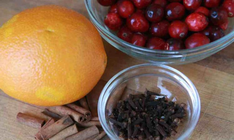 Winter-Warming Edible Crockpot Potpourri